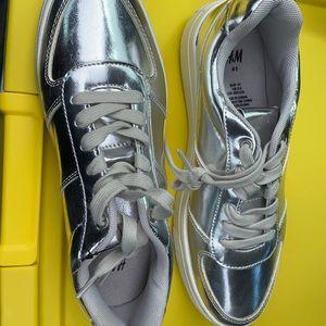 H&M sneakers 👟
